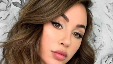 Photo of Ana Cheri Looks Smoking Hot in Lacy Lingerie