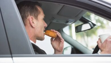 Photo of 10 Foods You Should Never Let People Eat in Your Car